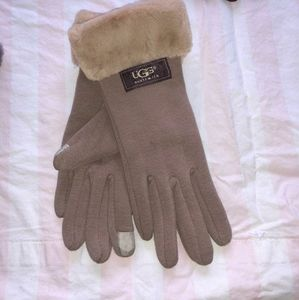 Tan ugg furry tech gloves